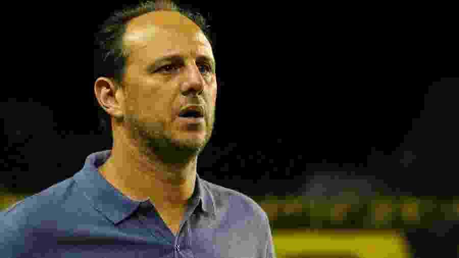Rogério Ceni e o São Paulo têm cinco derrotas, um empate e três vitórias no Brasileirão - Fabiano Mesquita/Estadão Conteúdo
