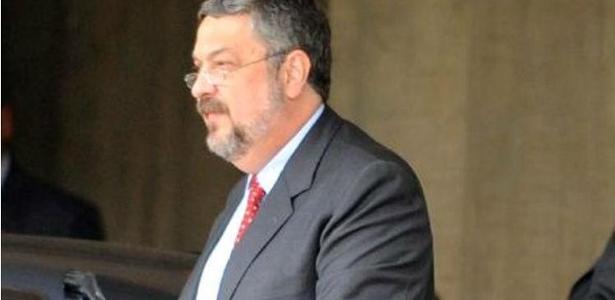 Na versão de dirigente petista, Palocci (foto) teria prestado depoimento sob tortura psicológica
