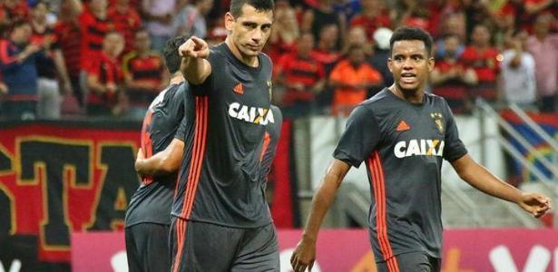 Diego Souza e Rithely em ação com a camisa do Sport