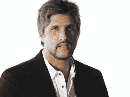 O cantor mineiro Léo Chaves (FOTO: Reprodução)