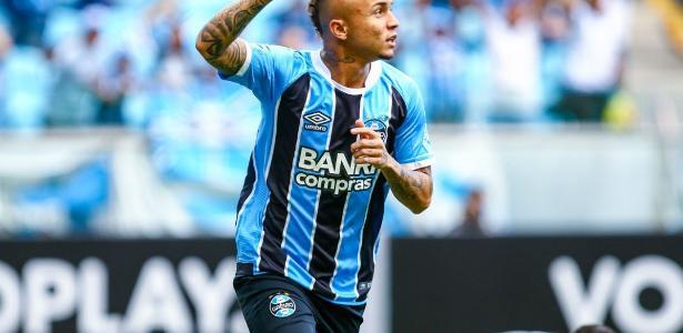 Everton foi titular do Grêmio e deu passe para o gol da vitória na Arena