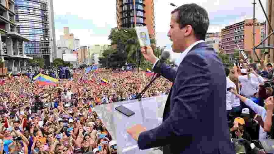 23.jan.2019 - Juan Guaidó, presidente do parlamento venezuelano, discursa durante a marcha do povo da Venezuela contra Nicolás Maduro - AsambleaVE