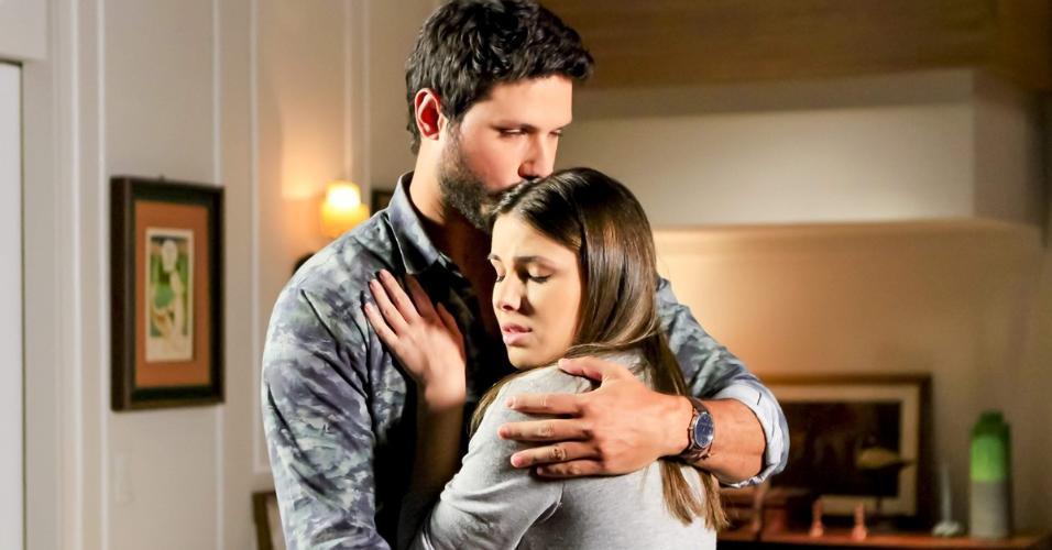 Aventuras de Poliana: Marcelo decide dar próximo passo na relação com Luisa