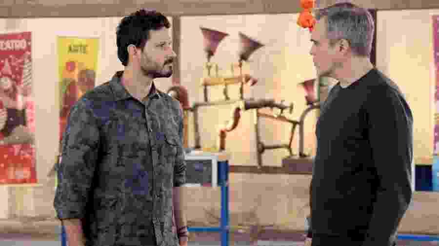 Marcelo (Murilo Cezar) e Pendleton (Dalton Vigh) discutindo em As Aventuras de Poliana (Foto: Lourival Ribeiro/SBT) - Lourival Ribeiro/SBT