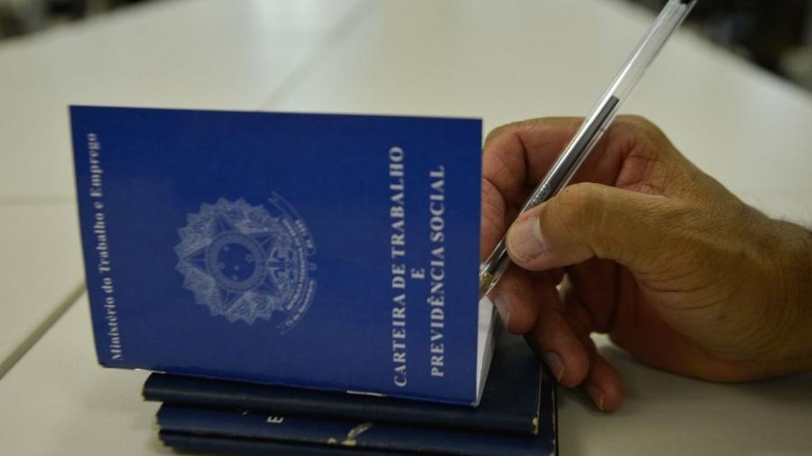 Pedidos de seguro-desemprego caem 9,3% na primeira metade de setembro                              -                                 ABR