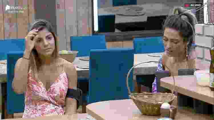 Hariany e Tati em A Fazenda 11 (Foto: Reprodução/PlayPlus)
