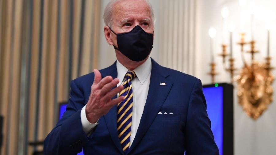 Biden diz que meta de 100 dias para vacinação pode subir para 150 milhões -                                 NICHOLAS KAMM / AFP