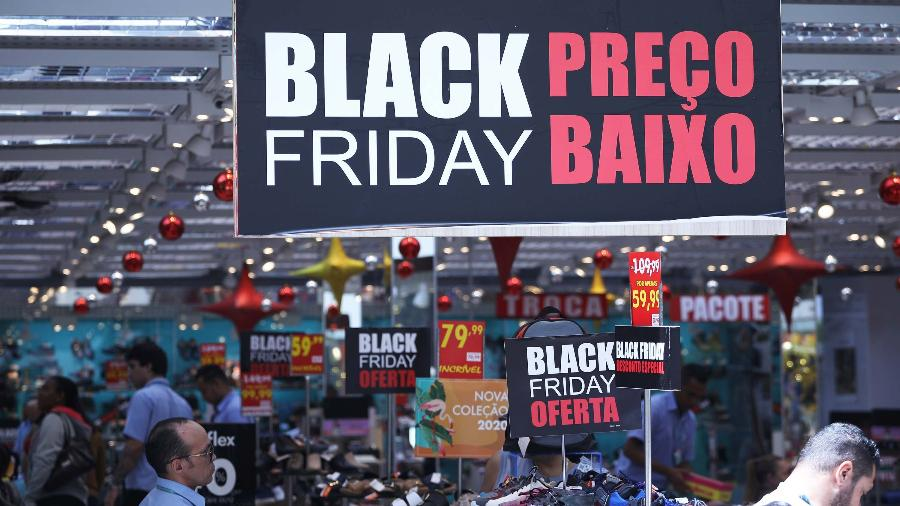Vendas do comércio sobem 6,1% no fim de semana da Black Friday - SP - COMÉRCIO-PREPARATIVOS-BLACK-FRIDAY - GERAL - Movimentação no comércio do centro de São Paulo (SP), nesta segunda-feira (25). Consumidores e comerciantes já se preparam para Black Friday 2019, que será nesta sexta-feira (29). 25/11/2019 - Foto: RENATO S. CERQUEIRA/FUTURA PRESS/FUTURA PRESS/ESTADÃO CONTEÚDO