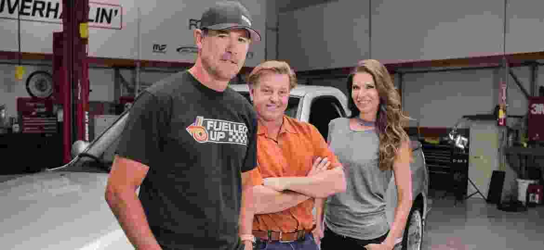 """Chip Foose (centro) e os colegas de """"Overhaulin´"""", que estreia nova temporada no Discovery Turbo - Divulgação"""