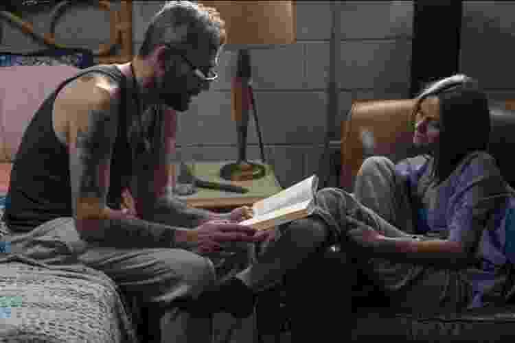 Negan (Jeffrey Dean Morgan) e Lucille (Hilarie Burton) em cena de 'The Walking Dead' - Divulgação - Divulgação
