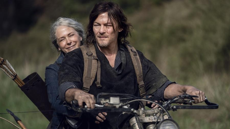 """Daryl (Norman Reedus) e Carol (Melissa McBride) na décima temporada de """"The Walking Dead"""" - Divulgação"""