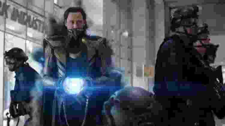 Loki rouba o Tesseract em 'Os Vingadores: Ultimato' - Reprodução/ Disney + - Reprodução/ Disney +