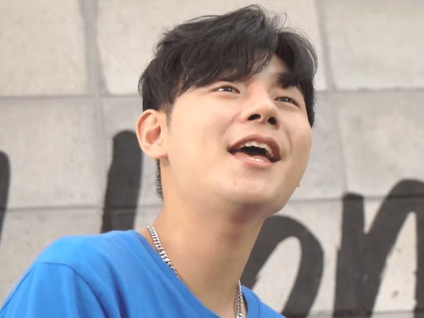 Jo Yoong em clipe da banda indie An Introduction to Youth