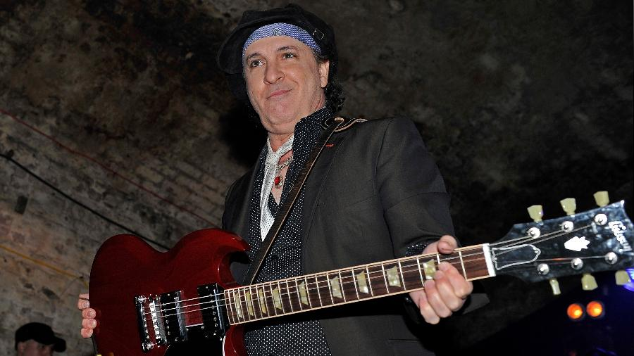 Sylvain Sylvain, guitarrista e um dos membros que fundou a banda New York Dolls -  Matt Kent/via Getty Images