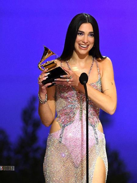 """Dua Lipa recebe o prêmio de melhor álbum pop por """"Future Nostalgia"""" -  Kevin Winter/Getty Images"""