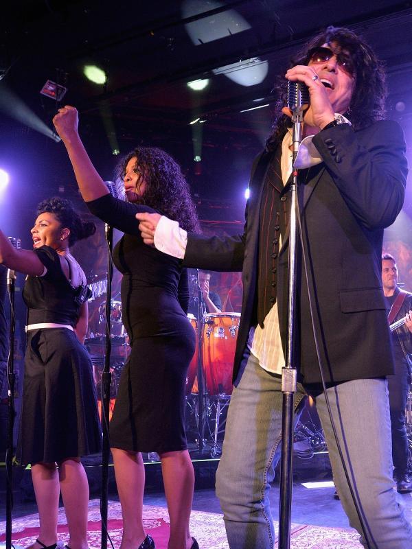 Paul Stanley, do Kiss, durante um show de sua Soul Station antes da pandemia