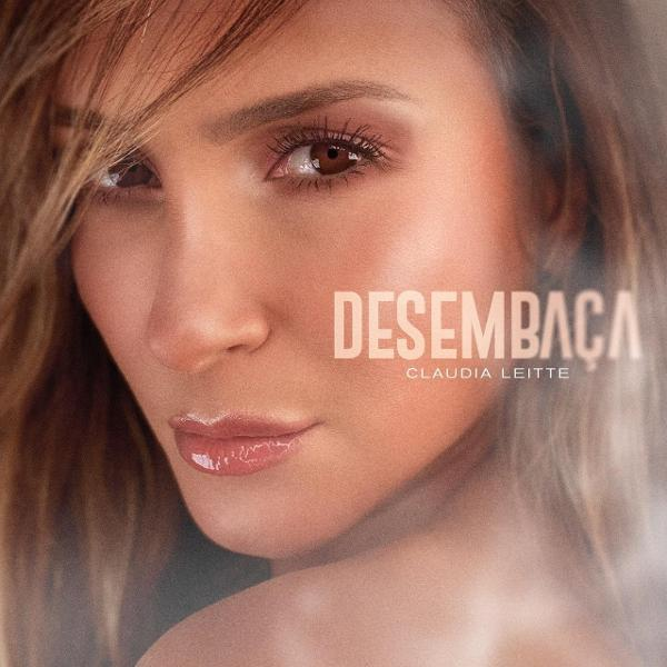 "Claudia Leitte em capa do Single ""Desembaça"""