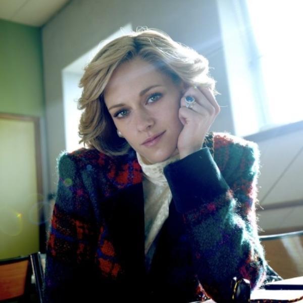 """Kristen Stewart como a princesa Diana para o filme """"Spencer"""""""