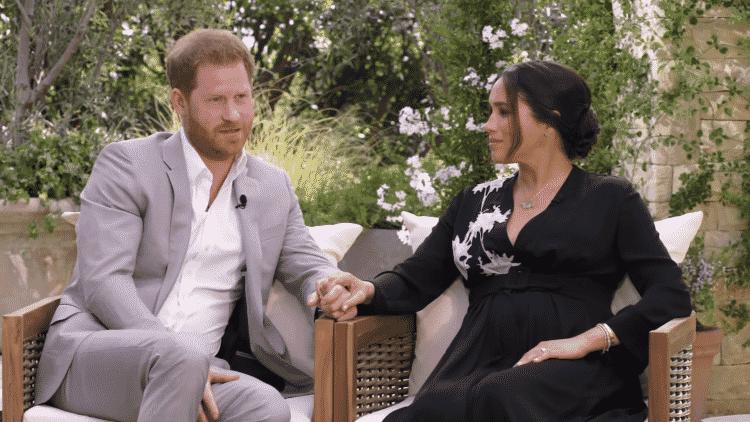Meghan Markle com príncipe Harry em entrevista a Oprah - Reprodução/YouTube - Reprodução/YouTube