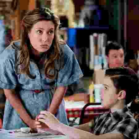 Mary (Zoe Perry) e Sheldon (Iain Armitage) em 'Young Sheldon' - Divulgação - Divulgação