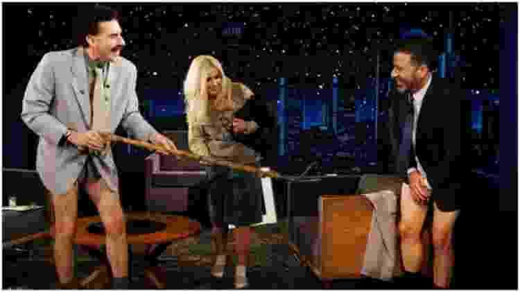 Borat, a filha e Jimmy Kimmel durante episódio de talk show - Reprodução/YouTube - Reprodução/YouTube