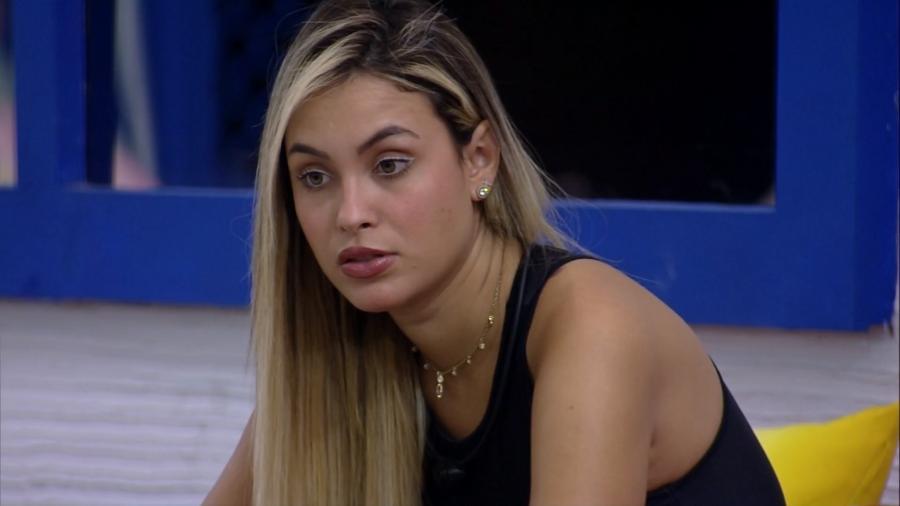 """A então estudante Sarah entendia que o BBB era """"fraco"""" e uma """"farsa"""" em monografia defendida em 2012 - Reprodução/TV Globo"""