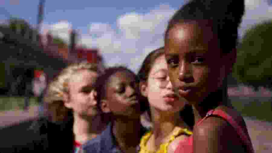 """Cartaz do filme """"Cuties"""", que Damares quer tirar do ar por """"incitar à pedofilia"""" - Reprodução / Netflix"""