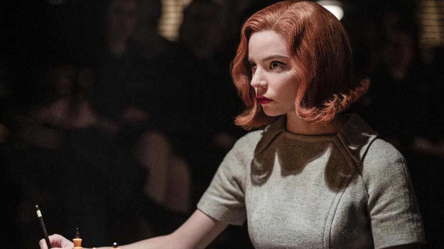 """Anya Taylor-Joy como Beth Harmon em """"O Gambito da Rainha"""", obra que levou a estatueta de melhor série limitada - Phil Bray/Netflix"""