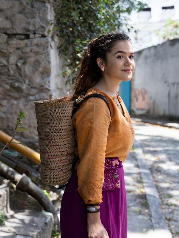 Maisa Silva em cena de 'Pai em Dobro', seu primeiro filme para a Netflix