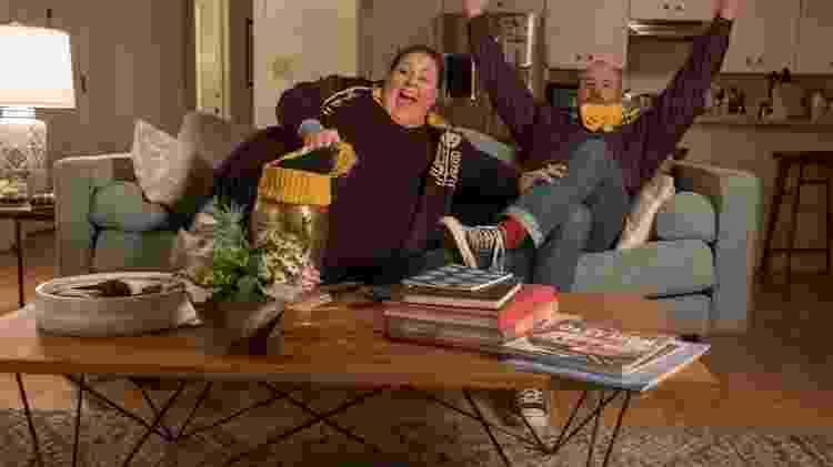 Kate (Chrissy Metz) e Toby (Chris Sullivan) em cena de 'This is Us' - Reprodução - Reprodução