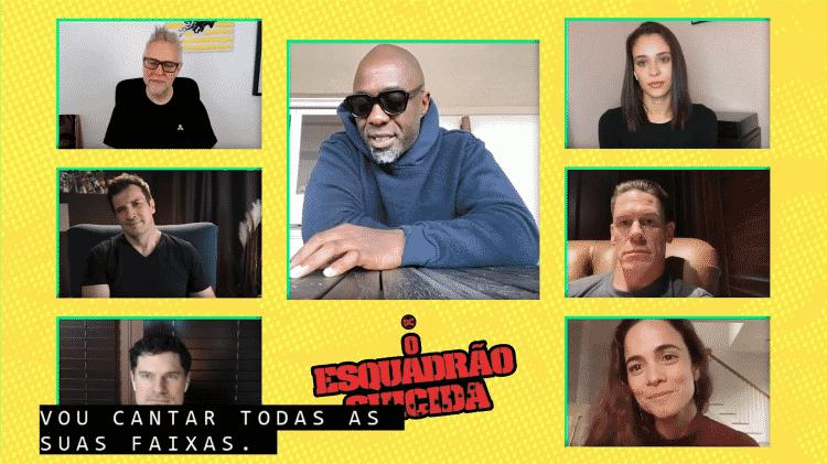Idris Elba (centro) com James Gunn, Alice Braga e outros atores de 'Esquadrão Suicida' - Reprodução - Reprodução