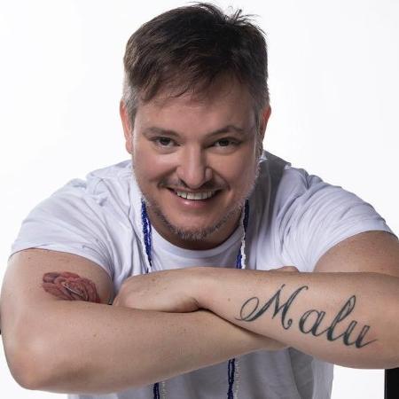 """Manno Góes, autor de """"Milla"""" - Reprodução/Facebook"""
