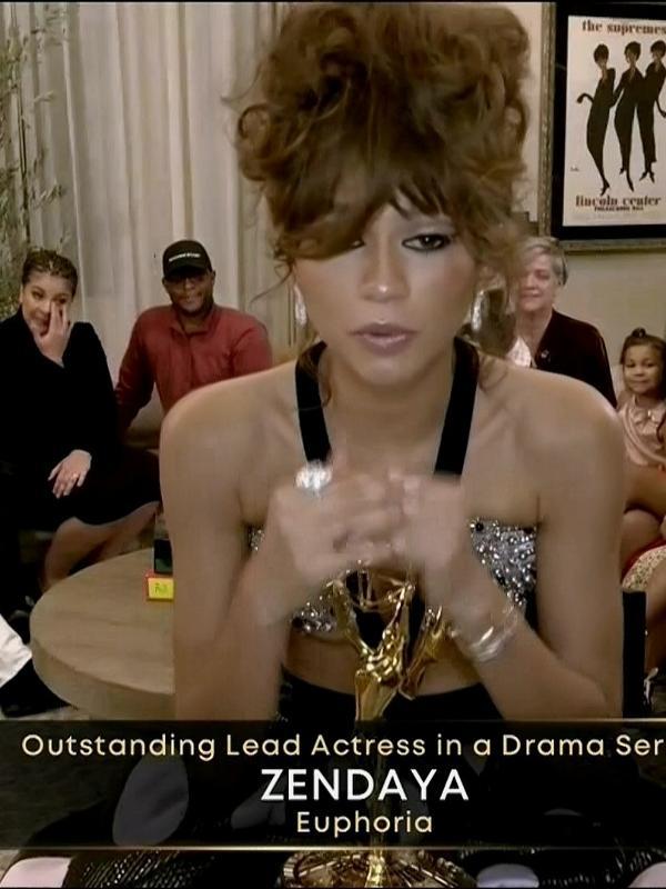 Zendaya leva o prêmio de melhor atriz no Emmy por 'Euphoria'