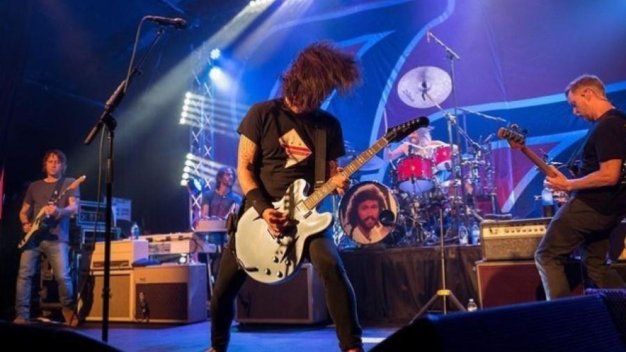 Foo Fighters em show na Califórnia cobrando comprovante de vacinação - Reprodução/Instagram
