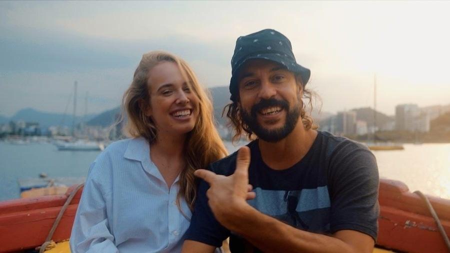 Gabriel O Pensador e a namorada Gabriela Vicente - Reprodução/Instagram