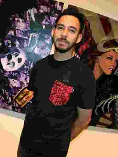 Mike Shinoda em exposição de 2008 - The Hundreds/Reprodução - The Hundreds/Reprodução