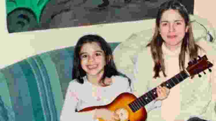 Sasha Calle em foto de infância com a mãe, Samira Calle - Reprodução/Instagram - Reprodução/Instagram