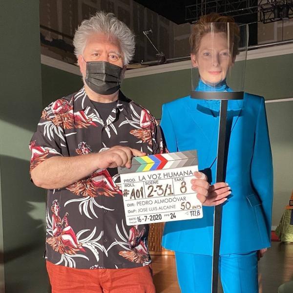 Pedro Almodóvar e Tilda Swinton nos bastidores do curta 'Human Voice'
