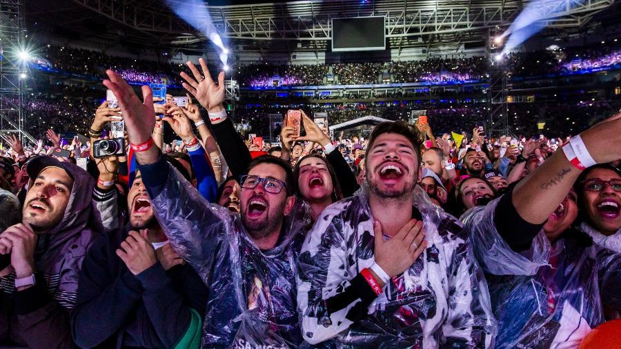 Público vibra com show de retorno de Sandy & Junior no Allianz Park, em São Paulo - Mariana Pekin/UOL
