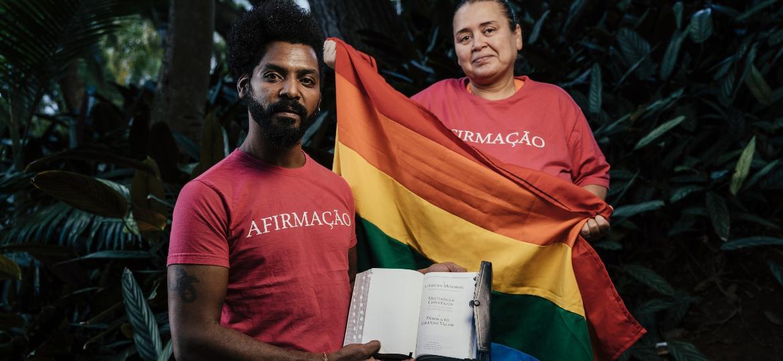 Alexsandro Barbosa e Cristina Moraes, da ONG Afirmação, que apoia mórmons LGBT - Filipe Redondo/UOL