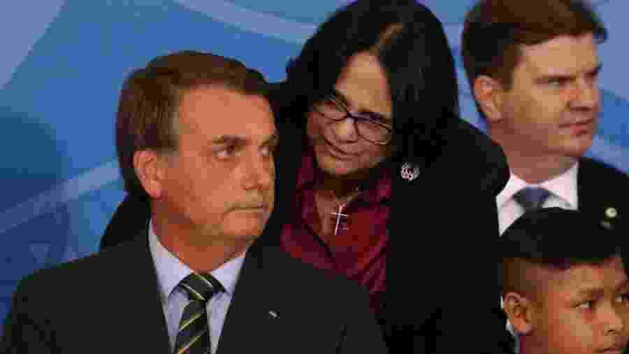 Jair Bolsonaro e Damares Alves em solenidade no Palácio do Planalto - Frederico Brasil/Futura Press/Folhapress