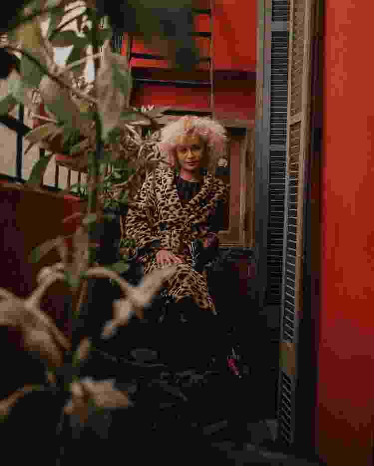 Shirlene Oliveira: a cantora vive em um apartamento antigo de Buenos Aires - Amanda Cotrim/UOL - Amanda Cotrim/UOL