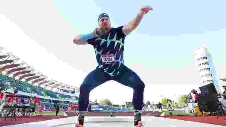 O atleta norte-americano Ryan Crouser, em competição de arremeso de peso no Oregon (EUA) -  Andy Lyons/Getty Images/AFP -  Andy Lyons/Getty Images/AFP
