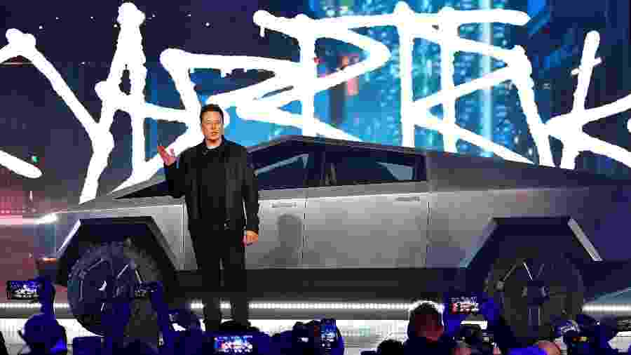 Elon Musk apresenta o Cybertruck, o carro elétrico e blindado da Tesla - AFP