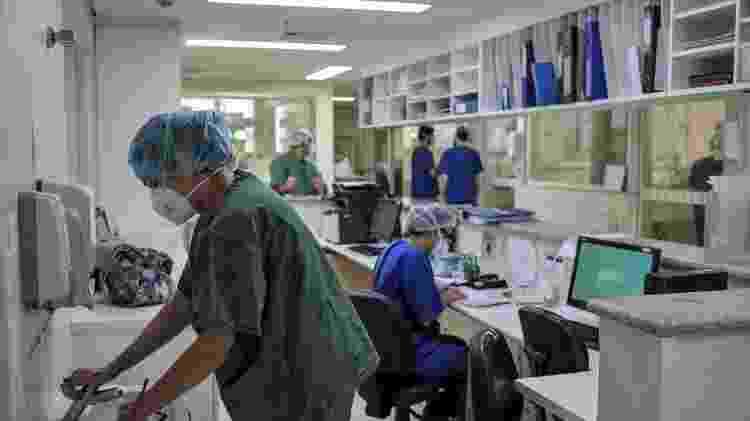 UTI destinada a pacientes com Covid-19 no hospital Emílio Ribas, em São Paulo - Reinaldo Canato / UOL - Reinaldo Canato / UOL
