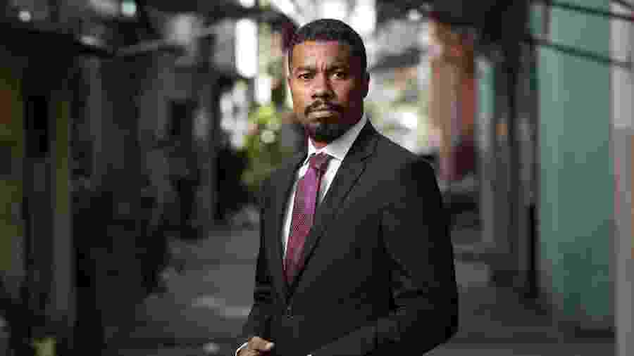 O advogado criminalista Joel Luiz Costa montou seu escritório na favela do Jacarezinho, onde cresceu - Ricardo Borges/Folhapress