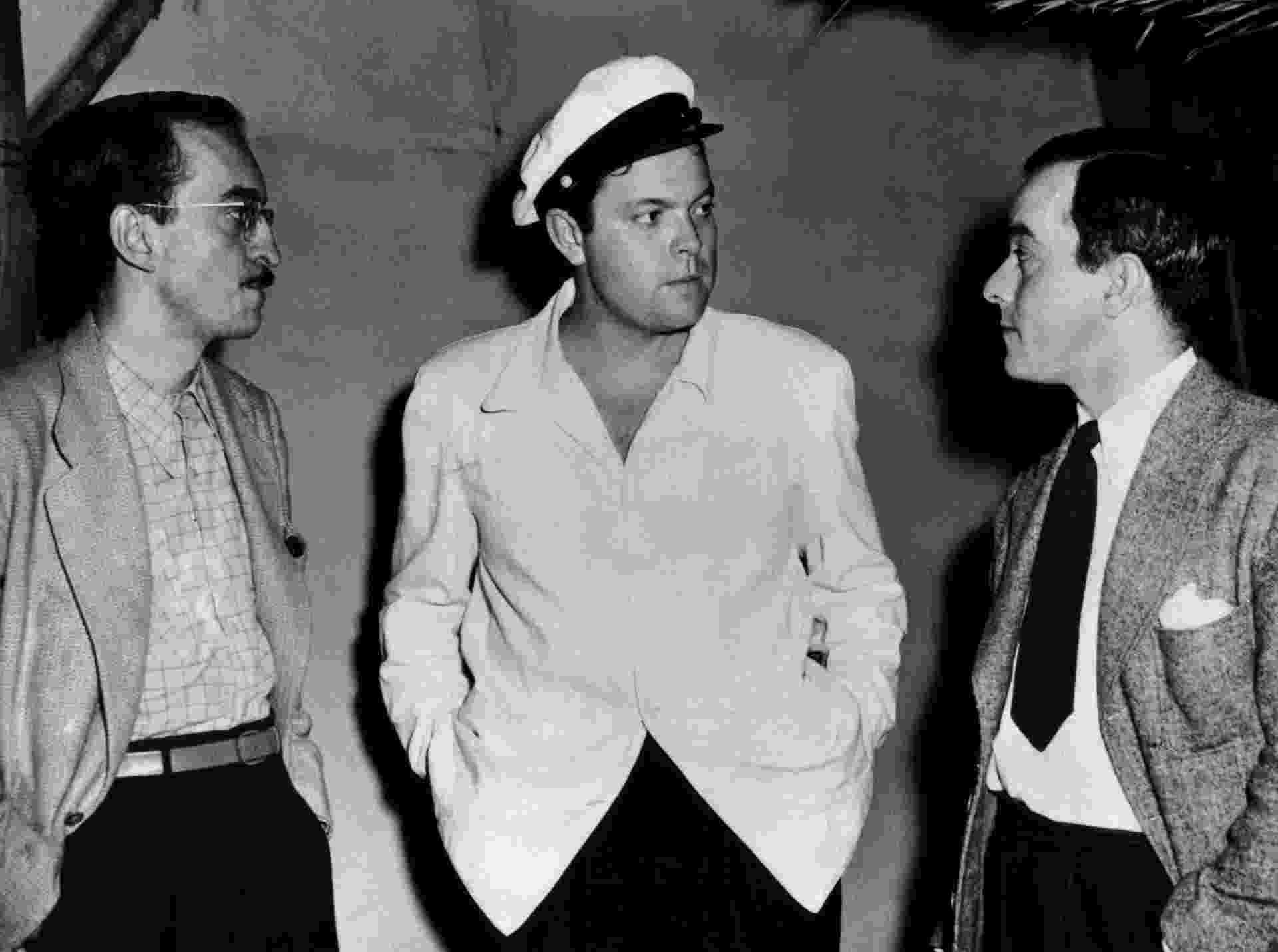 Os cineastas Alex Viany e Orson Welles e o então vice-cônsul Vinicius de Moraes, em Los Angeles - VMCultural/DR