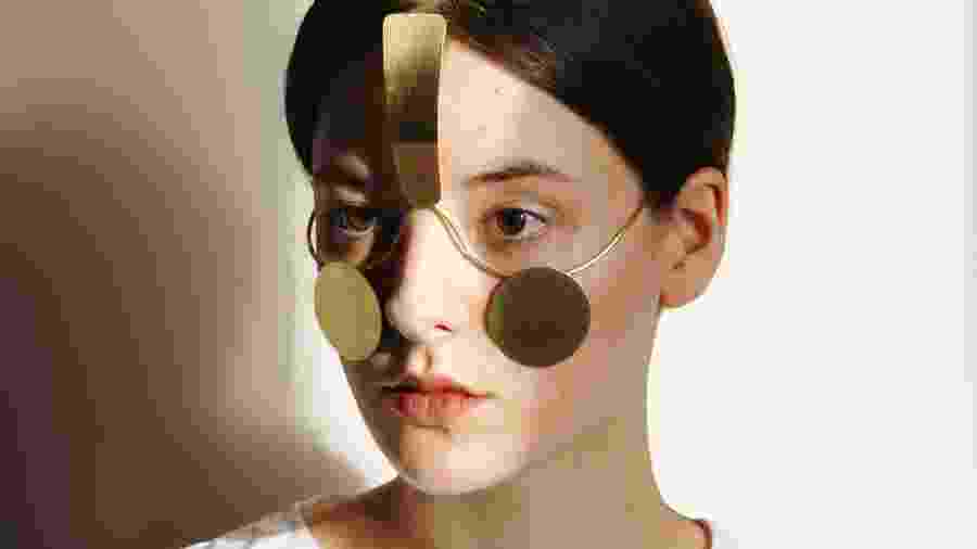 Artista polonesa criou joia que impede tecnologia de reconhecer rostos - Reprodução