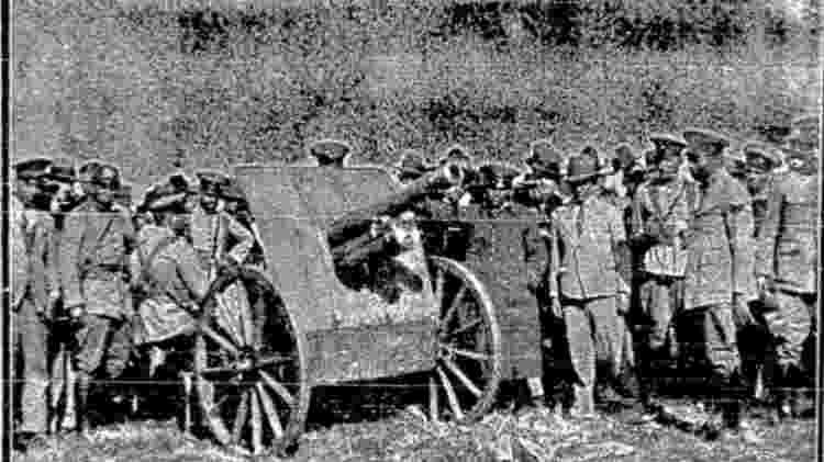 Revolucionários pauistanos testam canhão no Campo de Marte, em 1932 - Folhapress - Folhapress