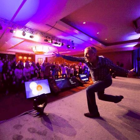 """O americano Jeff Walker, criador da """"Fórmula de Lançamento"""", em evento em maio: promessa de ficar milionário via marketing emocional na internet - Reprodução/ Instagram - Reprodução/ Instagram"""